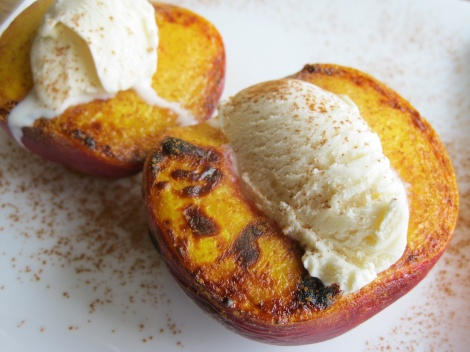 anti-bake dessert, peaches and cream, vegetarian dessert, easy dessert, broiled peaches, peaches and ice cream, peaches and gelato
